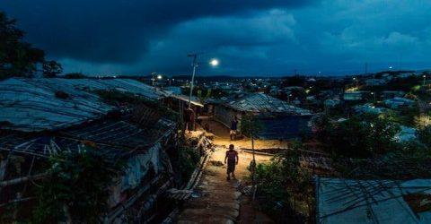আধিপত্য বিস্তার নিয়ে রোহিঙ্গা ক্যাম্পে দু গ্রুপের গুলাগুলি || নিহত -১ আহত- ১০