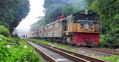 ব্রাহ্মণবাড়িয়ায় ট্রেনে ভাঙচুর, চট্টগ্রাম-সিলেটে রেল বন্ধ