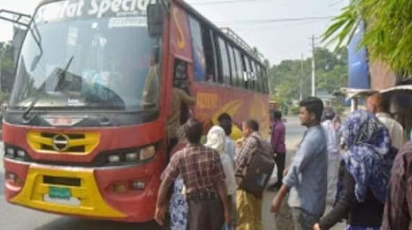 চাঁপাইনবাবগঞ্জে আজ বৃহস্পতিবার থেকে আন্তঃজেলা গণপরিবহন চলাচল শুরু