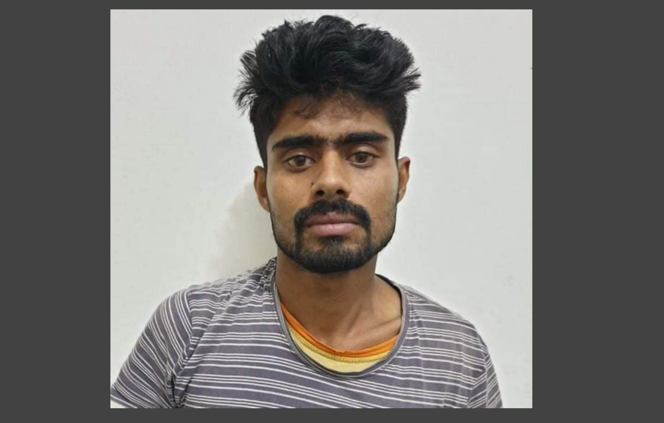 চাঁপাইনবাবগঞ্জে মাদকের কুখ্যাত গডফাদার মোবারক ডিএনসির হাতে গ্রেফতার